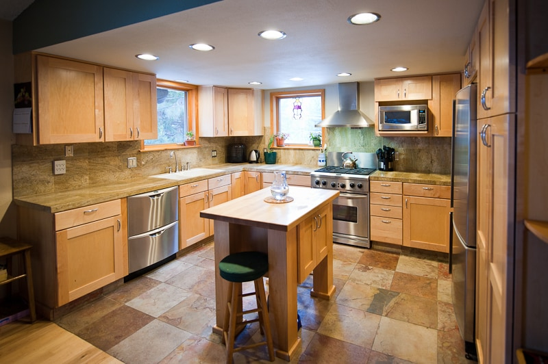 Spacious kitchen, cookware and spices are part of shared common area you have 24/7 access to use