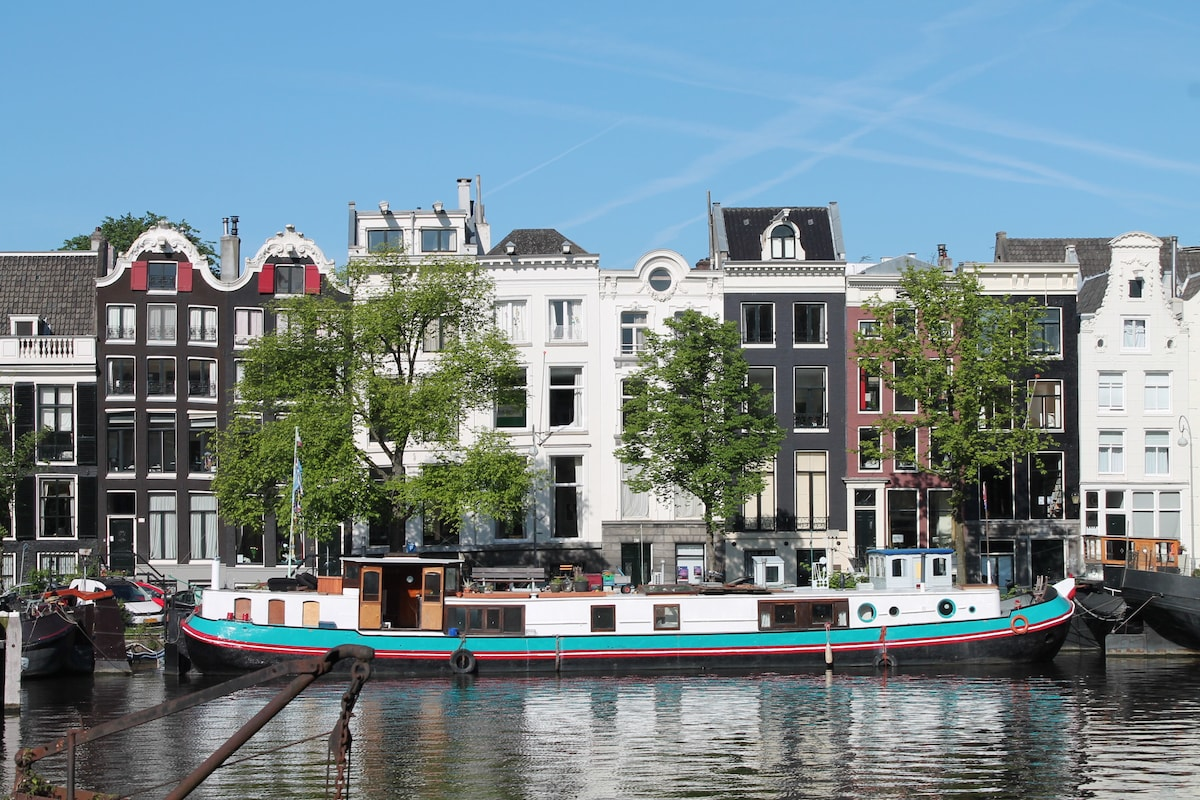 A358 b b on houseboat on the amstel in amsterdam for Airbnb amsterdam houseboat