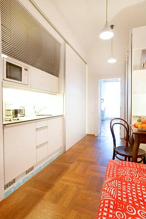 City Apartment IIII - kitchen open with breakfast nook and extra bed