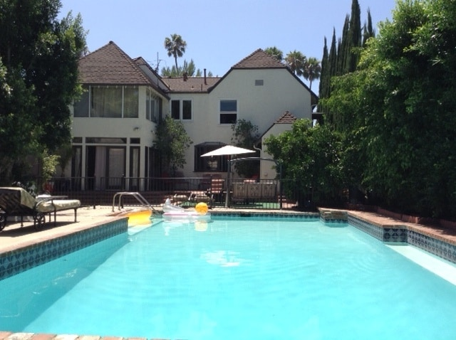 Great Price & Location 2BD, Pool