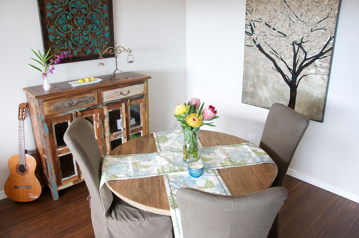 Spacious dining room to entertain guests