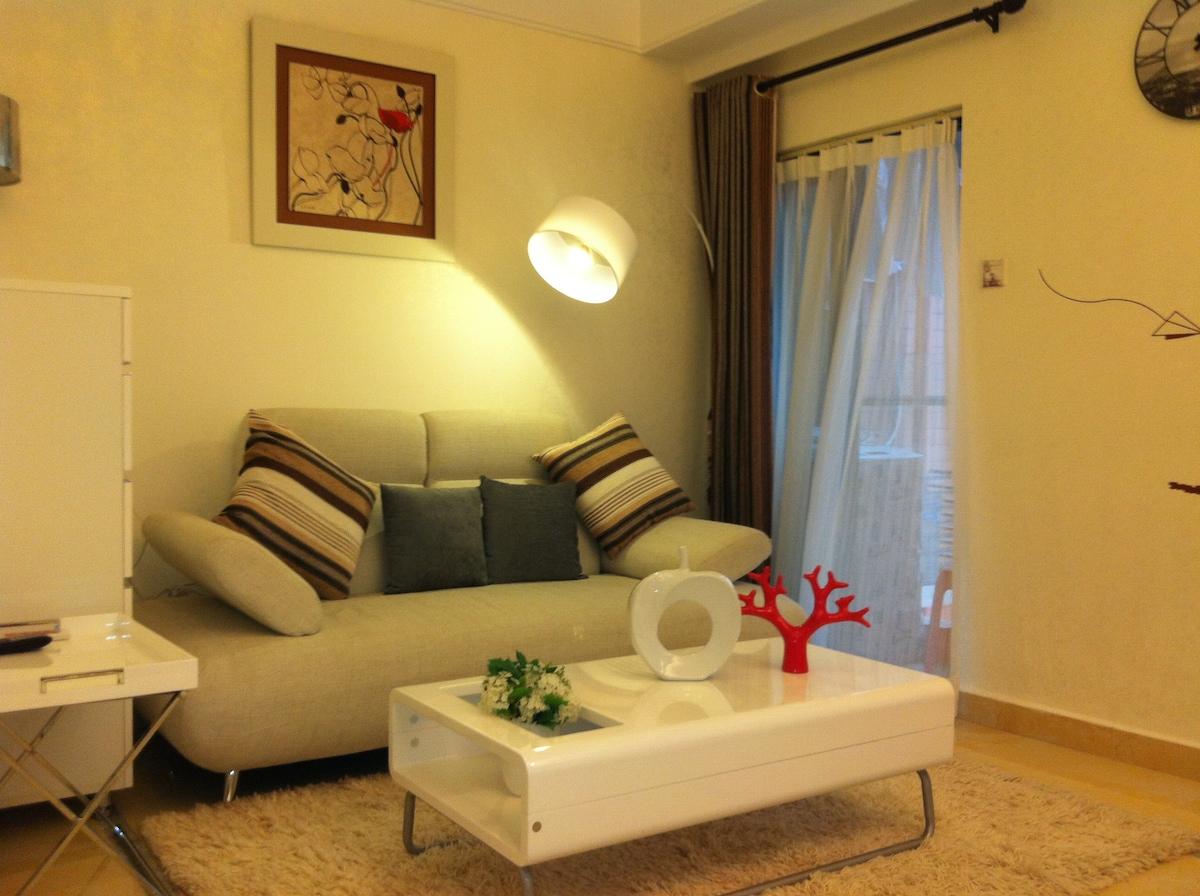 深港酒店公寓(近东门步行街,地铁晒布站C出口)