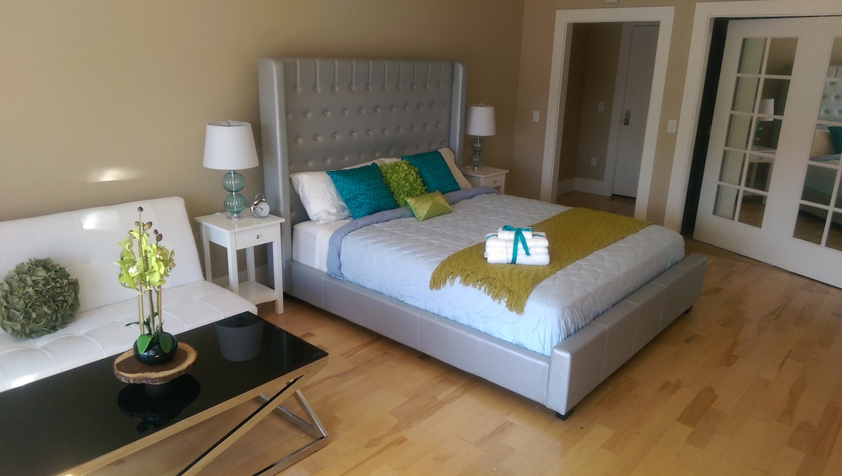 Cal King Bed with Memory Soft Padded Matress