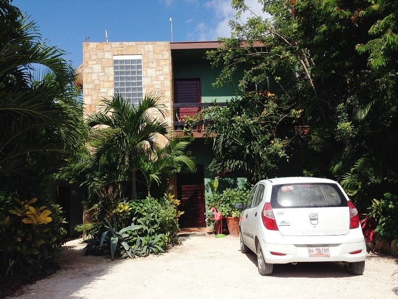 Off Street parking at the Boticanical Garden house