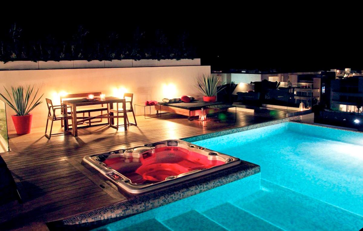 Modern Condo w Roof Top Pool - 5ppl