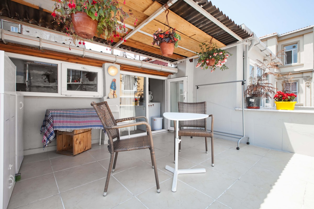 STUDIO FLAT with a TERRACE @ TAKSİM