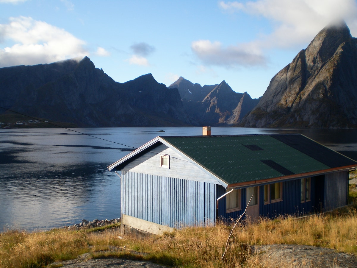 Room with 4 beds in Reinefjord-area