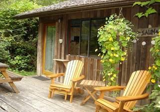 "SaunaHouse Cabin,1"" stroll to beach"
