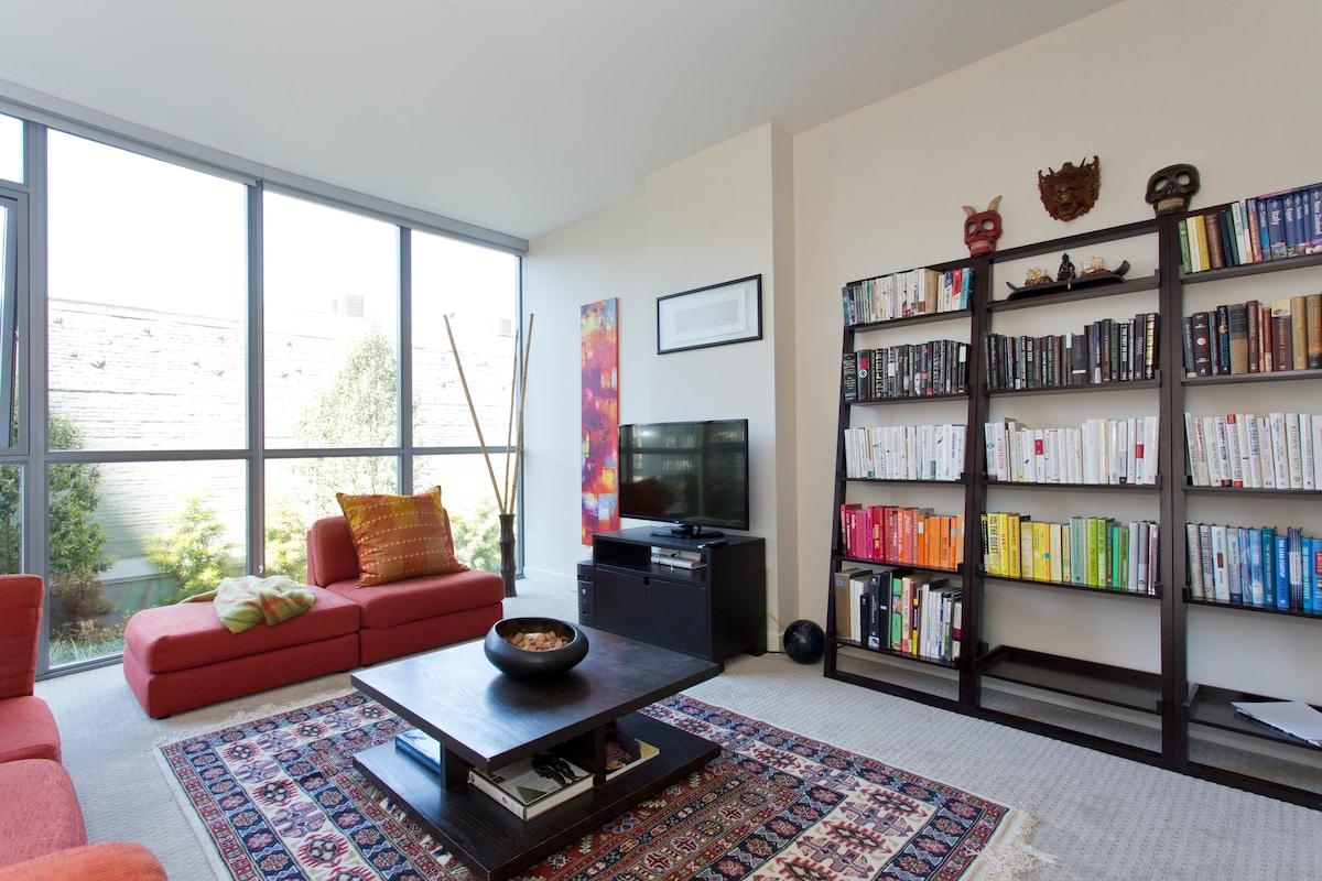 Modern Luxury 1 BR Apartment