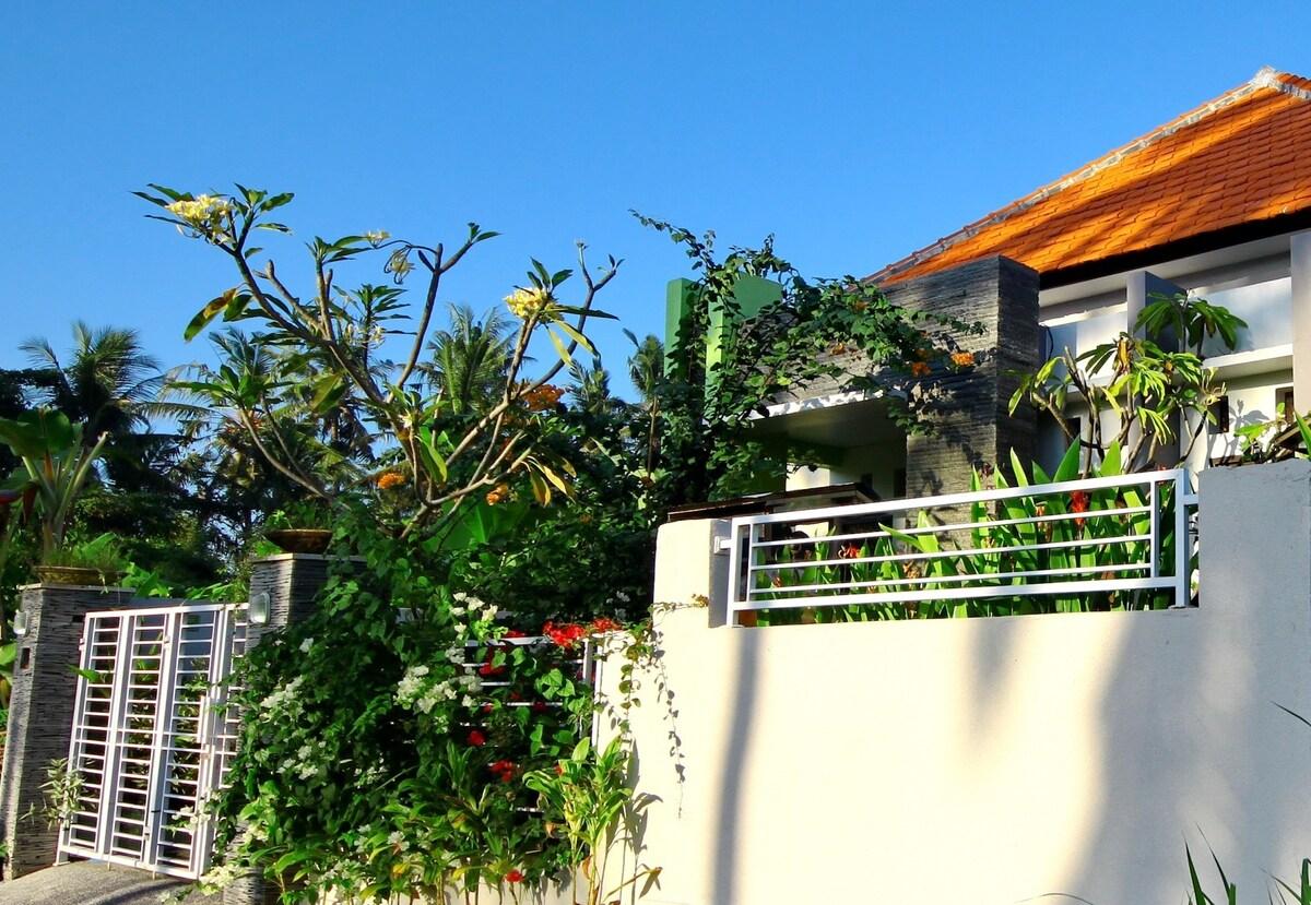 3BR-Private House Near Surf Beach