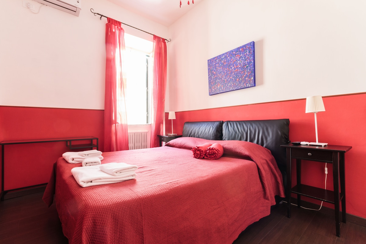 this picture belong to the listing TRASTEVERE'S ROOFS ROOM 3
