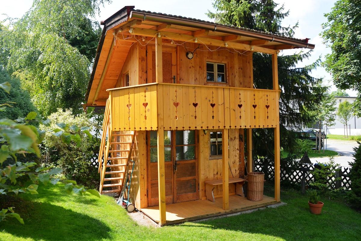 Baumhaus mit 1-5 Schlafplätzen