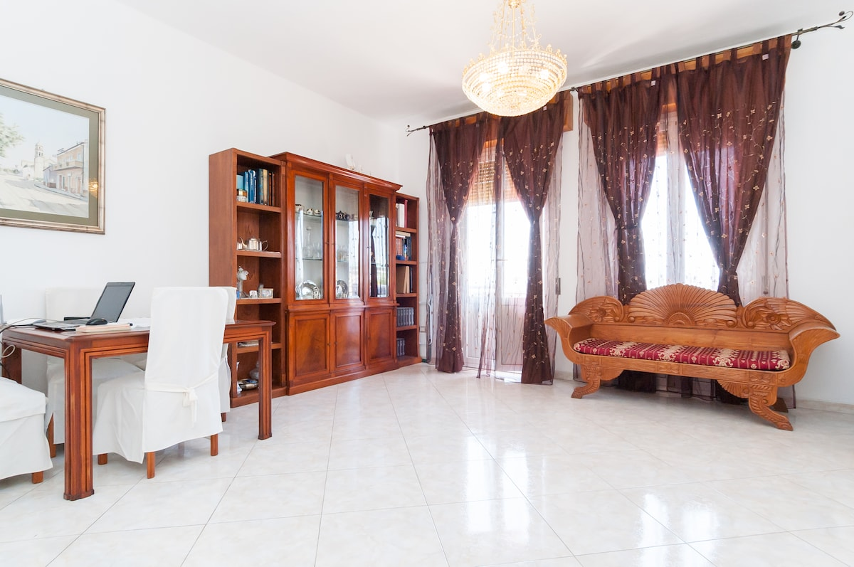Apartment with en-suite bathroom