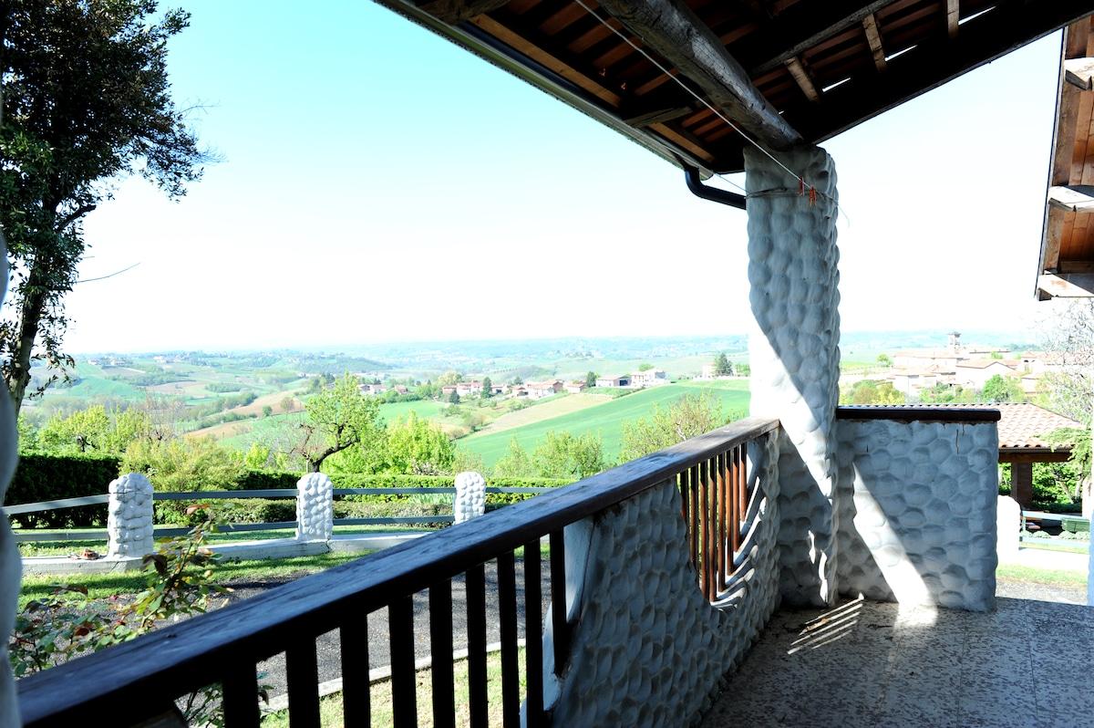 Bricco DiVino, Hills of Monferrato