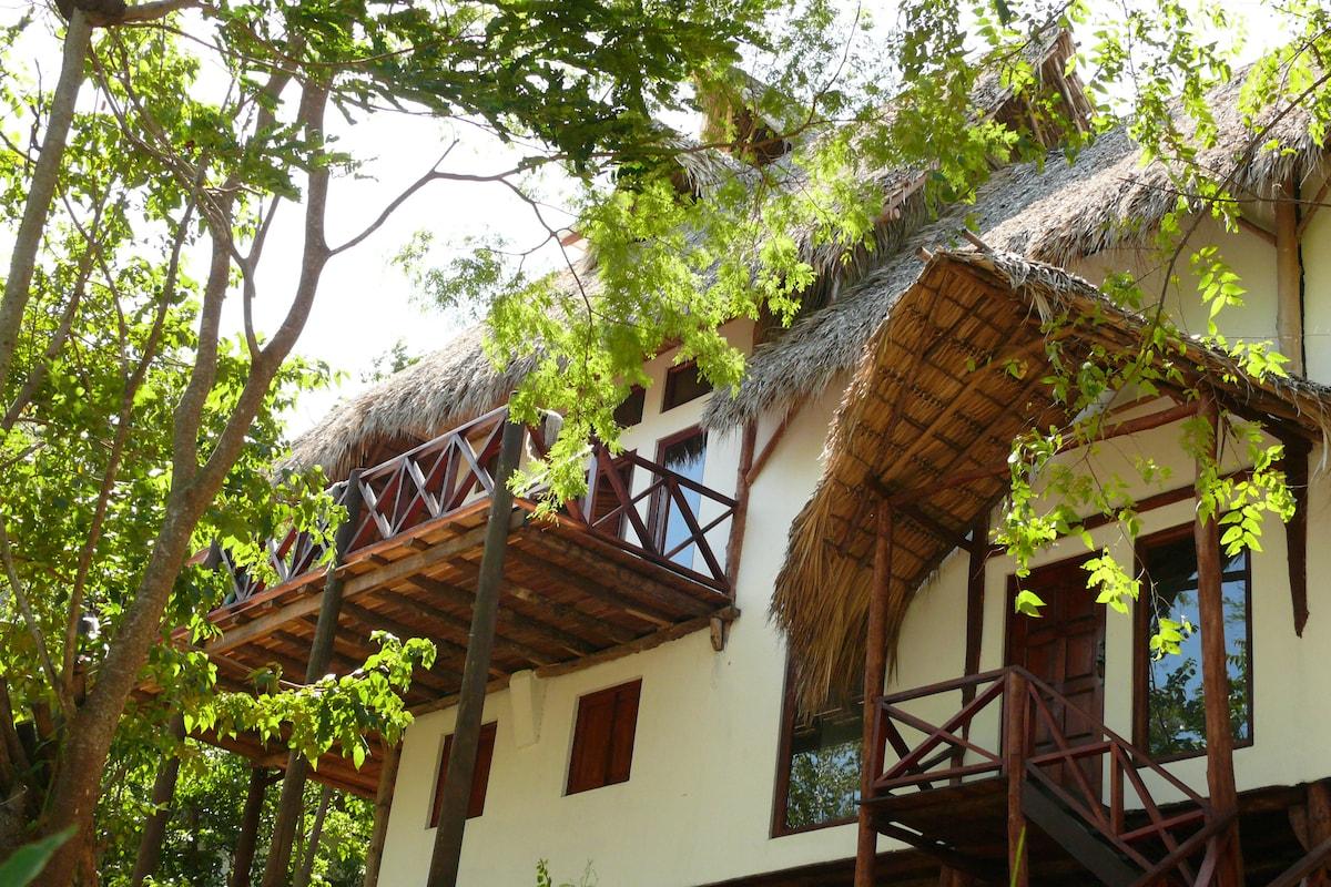 Tuani Lodge