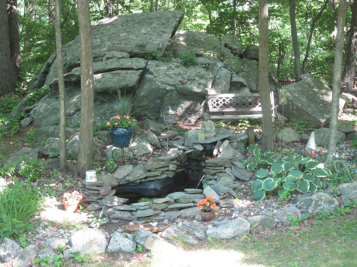 Quiet Private Home Lake Community