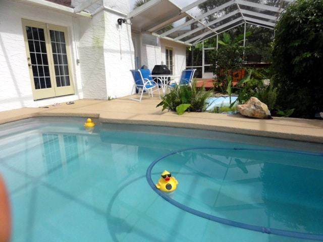 Pool Home, 2 Mins From the Beach!!