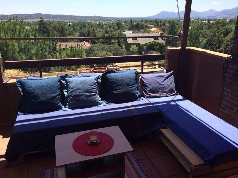 Ático con terraza y vistas