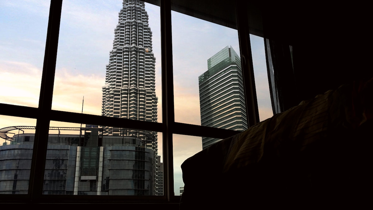KL Twin tower view from the bed