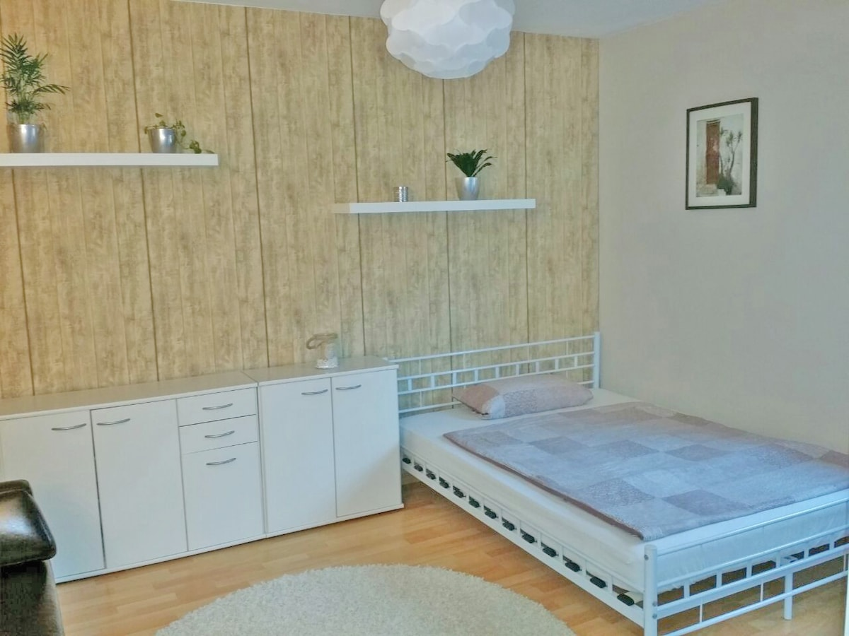 Nice room in the Old Town / Centre