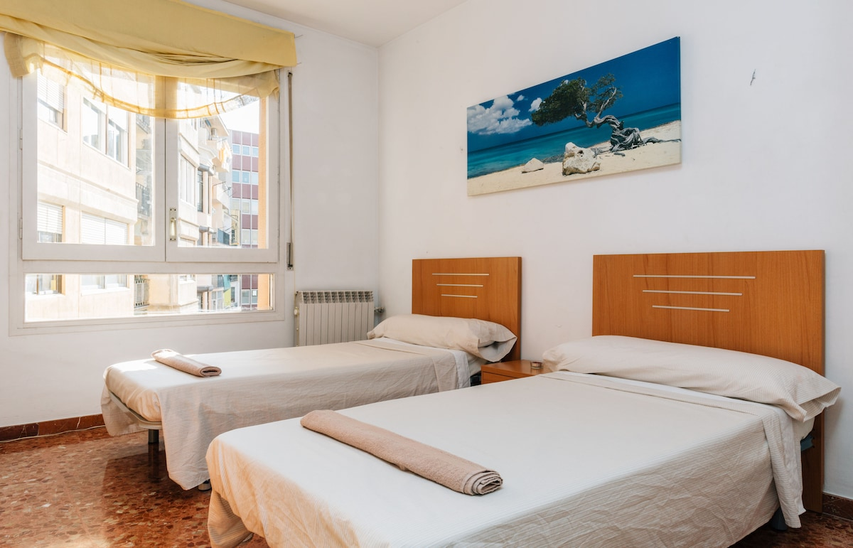 Double room in large apartment