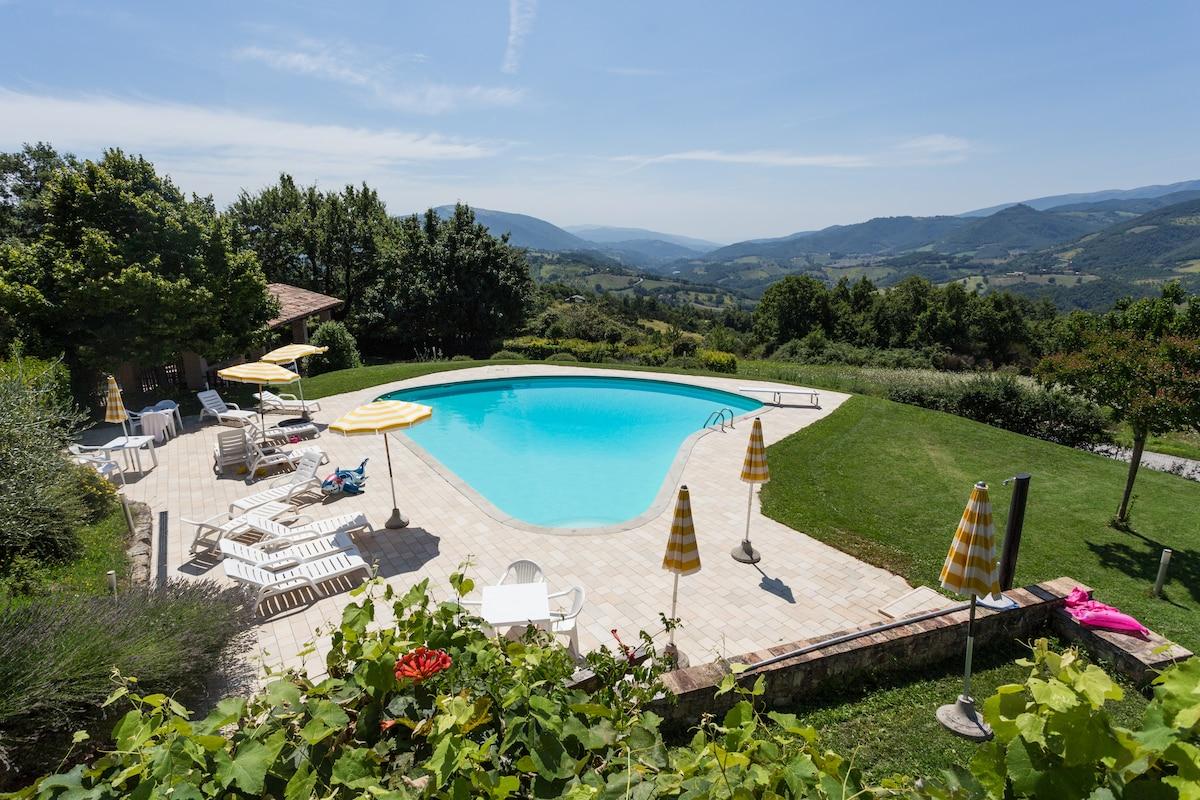 Borgo rurale con piscina V