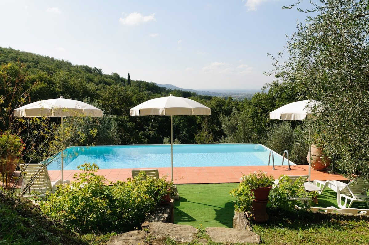 Lovely real farm house in Tuscany