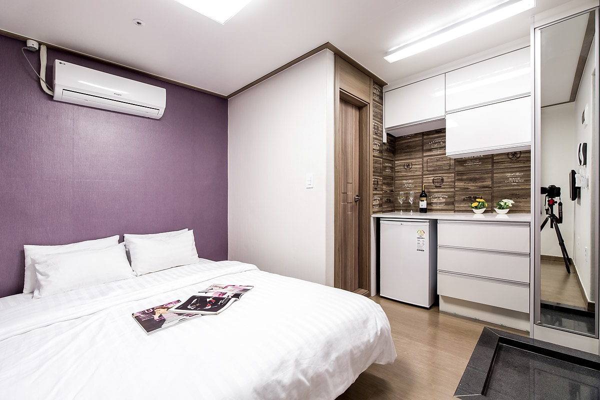 Double Room / only 1min to subway