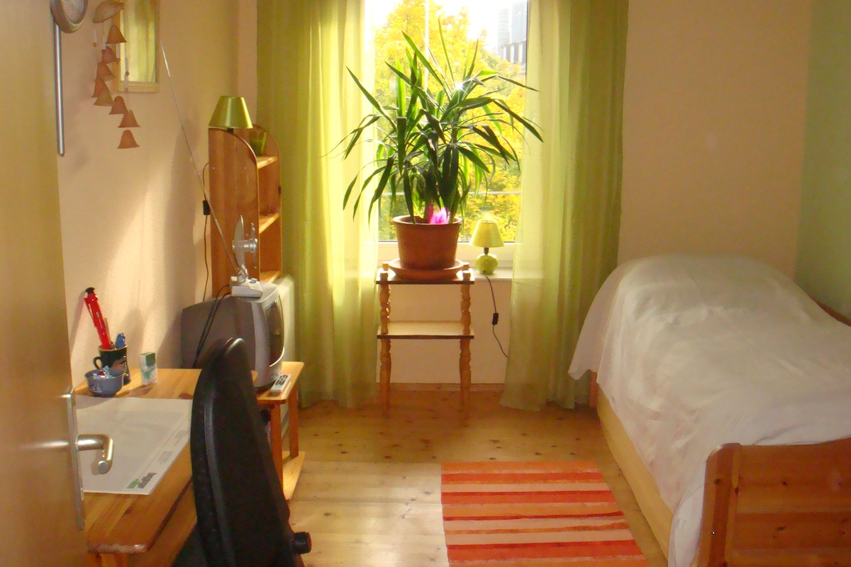 Nettes Zimmer an Theresienwiese