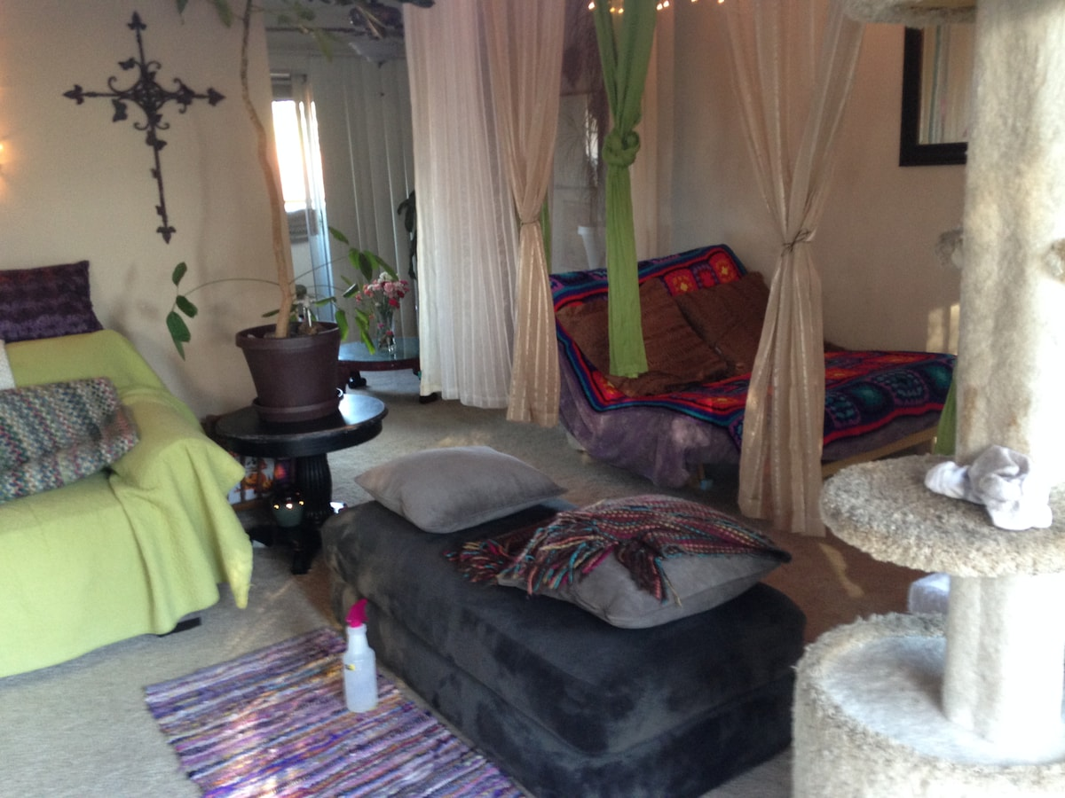 ~Zen Inspired ~Mostly private  ~Spotless guest space.... Ahhhhh soooo Relaxing..