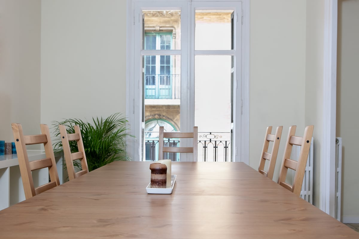 The dining table (extendable for 12 persons)