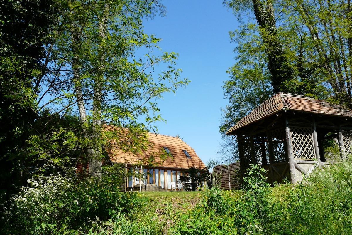 Oak Lodge on the Dordogne river