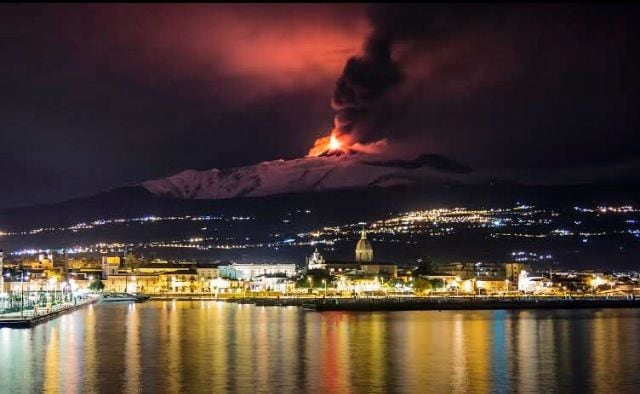 "Riposto taormina ""Porto dell'Etna"""
