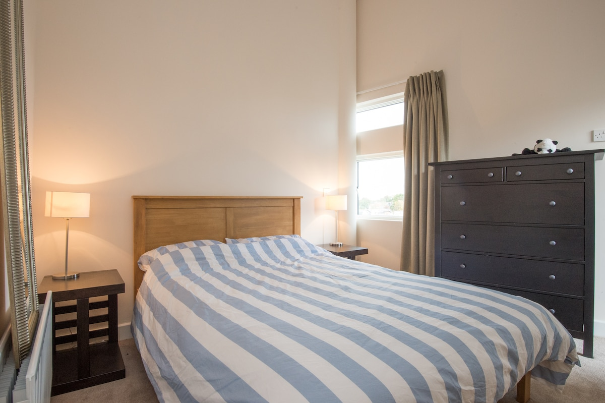 Double Room in Dundrum Penthouse