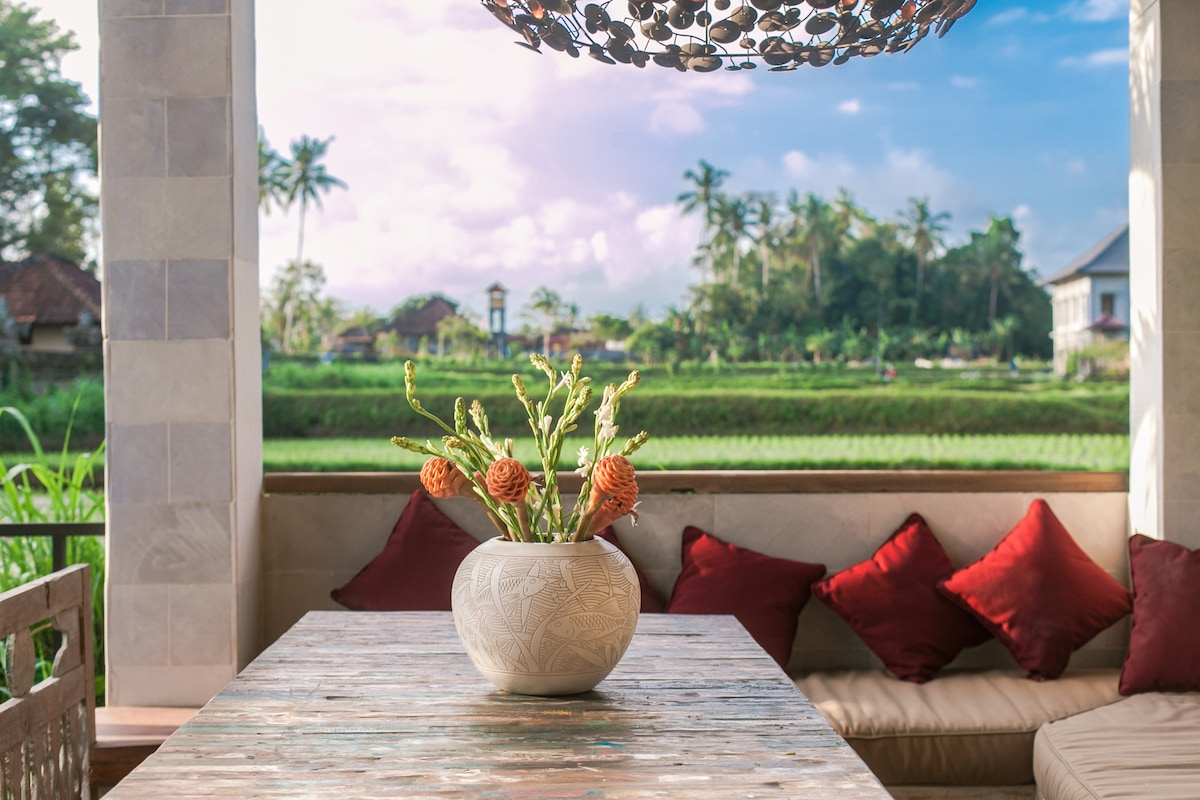 Surprise room in superb villas!