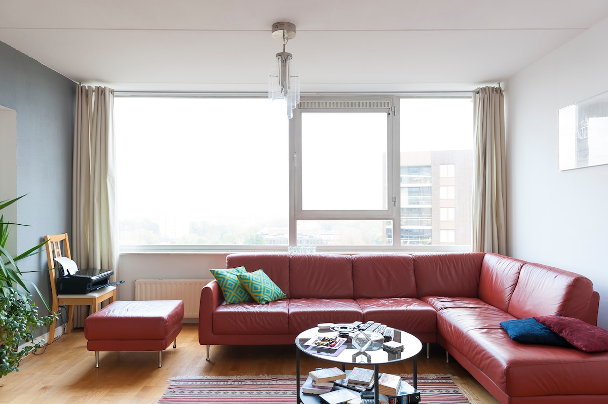 spacious apt with stunning view