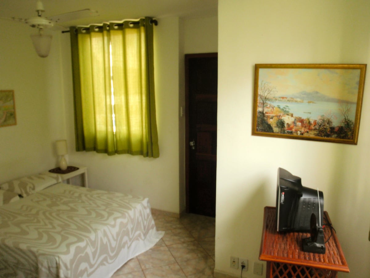 Room close to the beach in Barra!