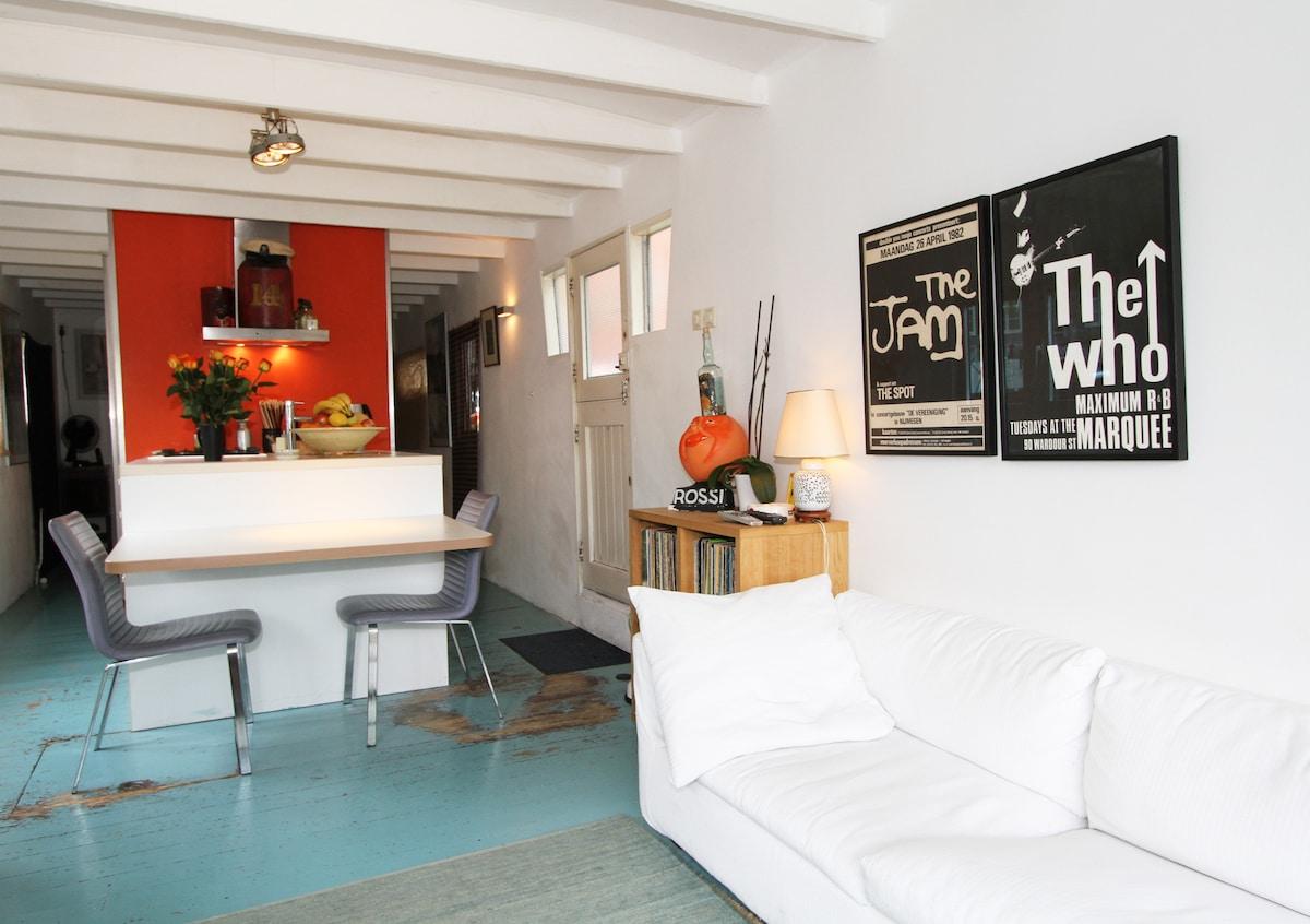 Romantic Prinsengracht Houseboat