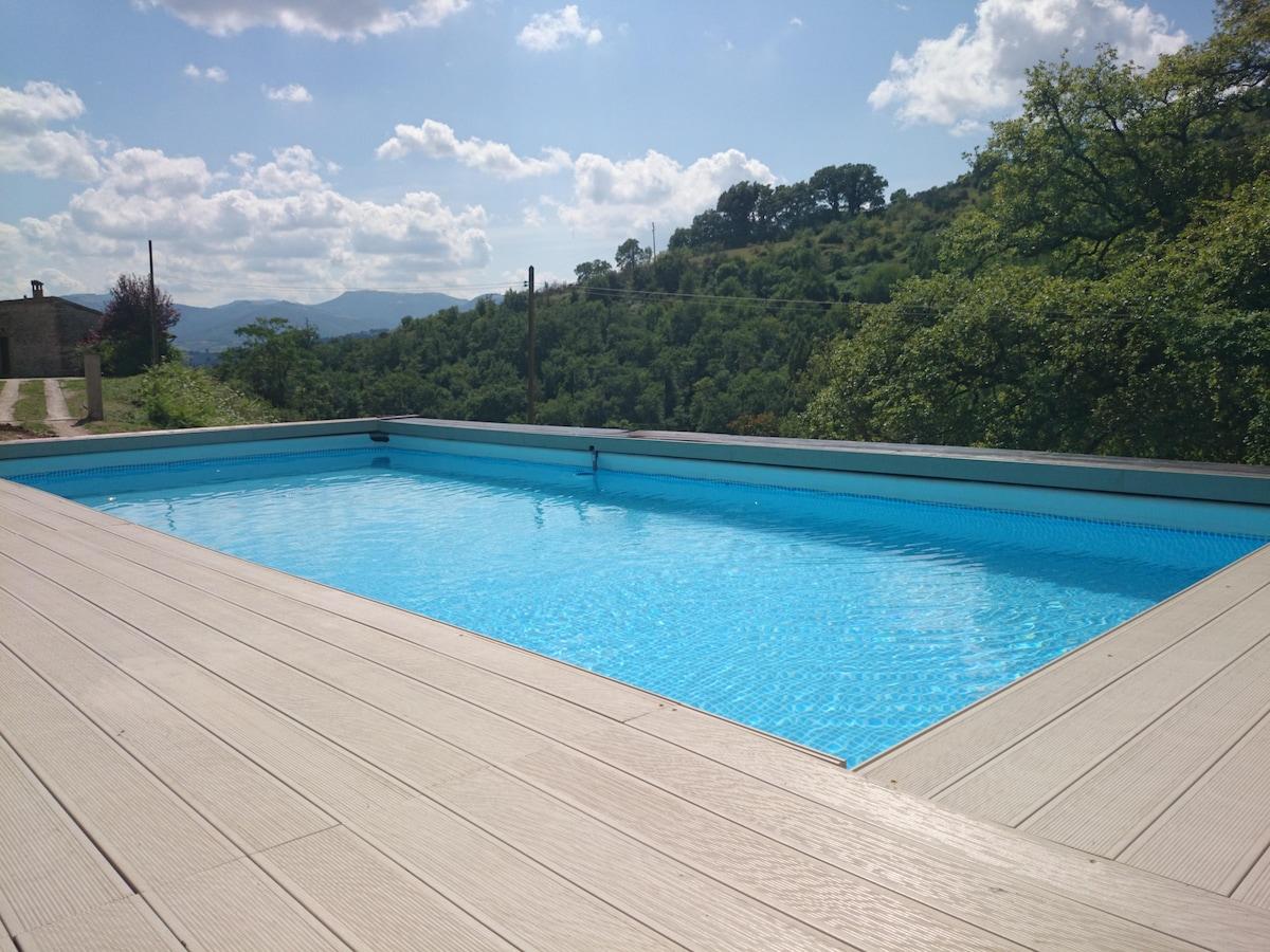 Villa con piscina tra Marche/Umbria