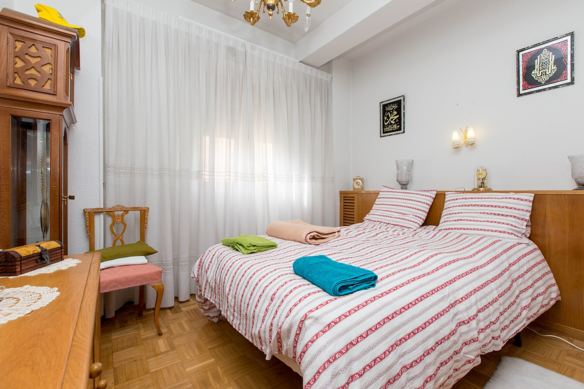 VG4-Bed in Madrid center