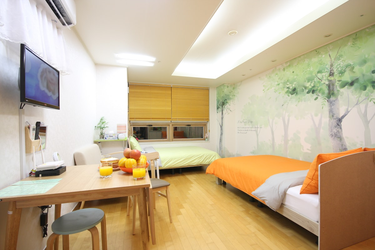 Charm#2 apartment ★Best Location★