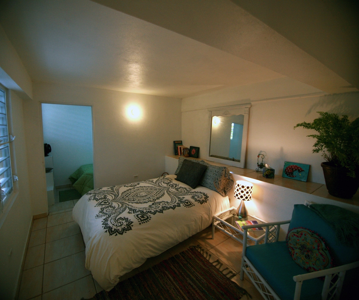 Clean, bright and breezy 1 bedroom