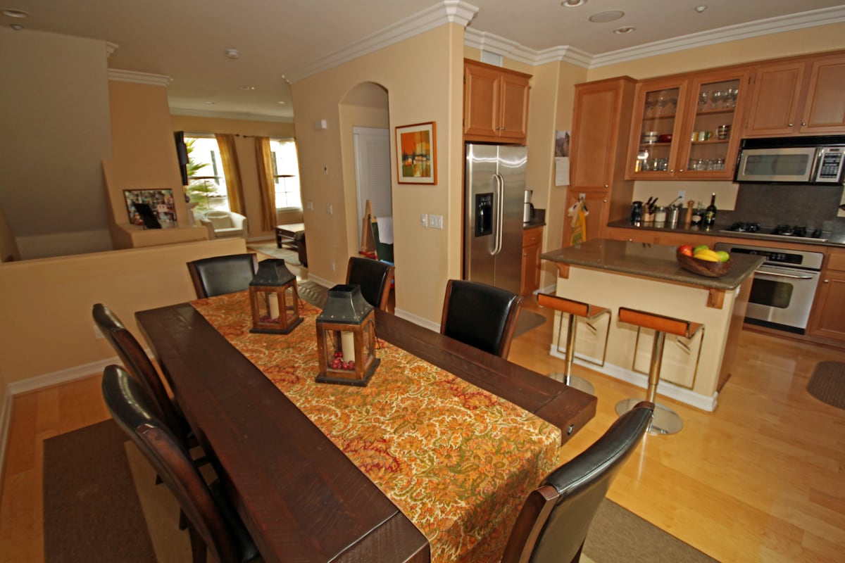 Beautiful 2-Bdr Condo in 4S Ranch