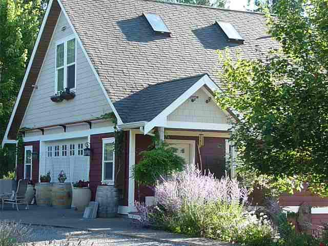 Cottage at Anderson Island Vineyard