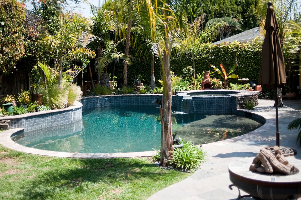 Our Salt Water Pool And Jacuzzi Natural Stone And Sea Shell Dark Bottom W Waterfall