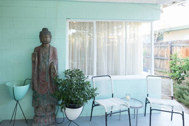 1000 year old solid iron temple Buddha statue protects you. (np)