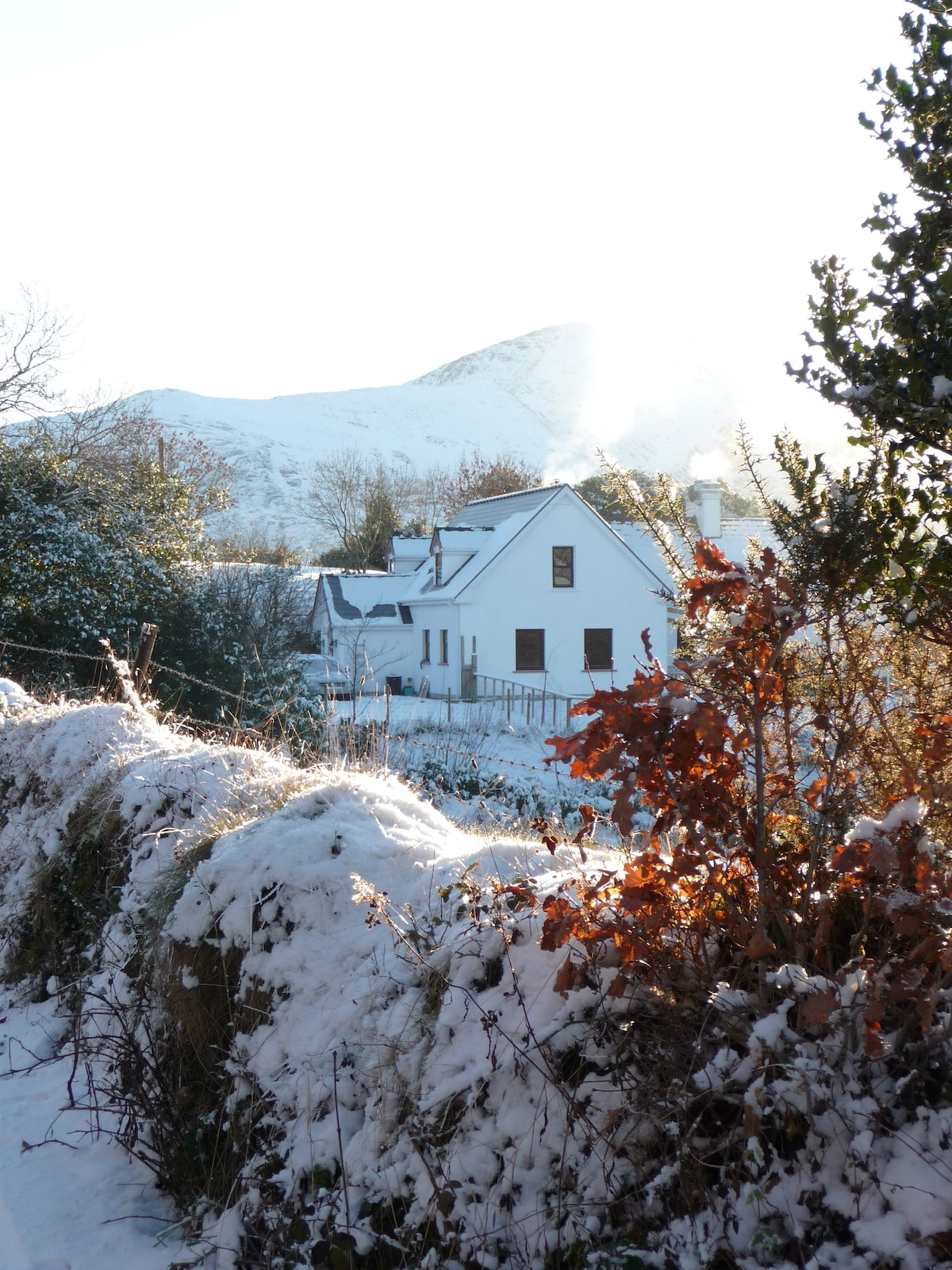 White cottage, cosy and bright :)