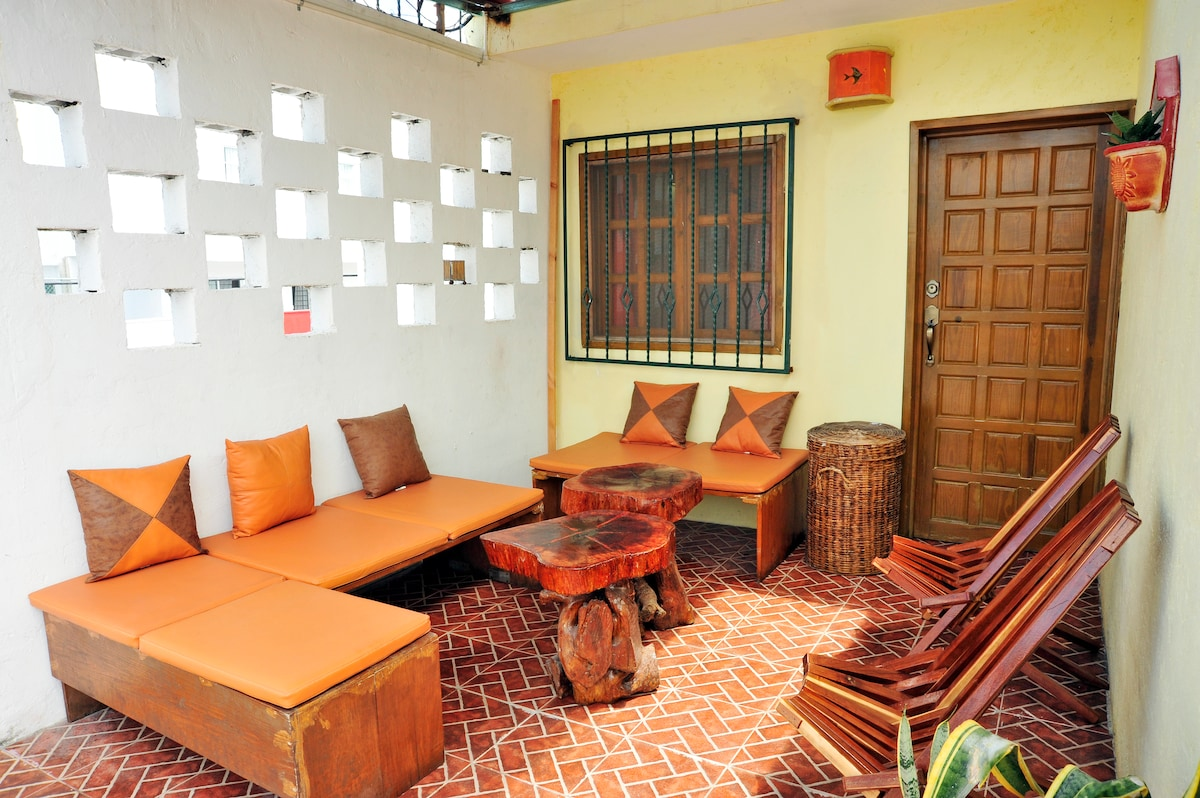 Cozy and affordable room Cancun Guest House with beautiful terrace, very easy access from airport