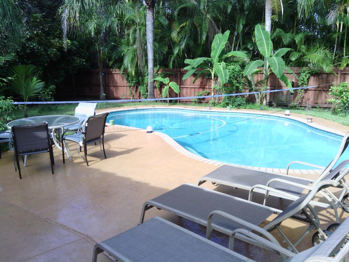 Old Key West House w/ Heated Pool
