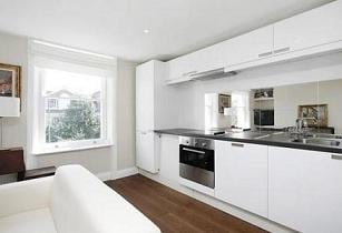Cook at home! Fully equipped kitchen with fridge-freezer, washing machine, dishwasher, microwave, oven and cooker/hob, equipped with all utensils